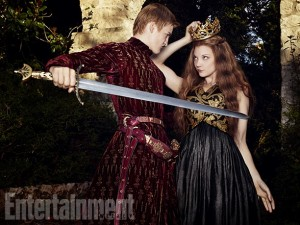 Margaery-Tyrell-King-Joffrey-Baratheon-03
