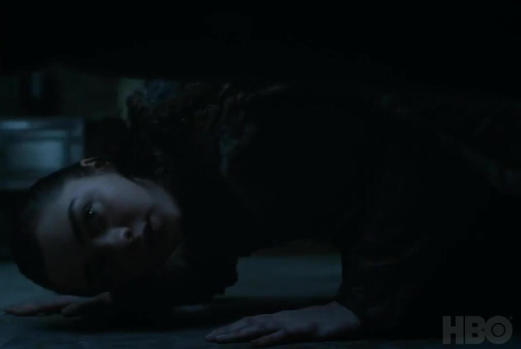 Arya-head-to-the-ground